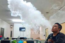 Gangguan Kardiovaskular Hingga Kanker Paru Mengintai Perokok Elektrik - JPNN.com