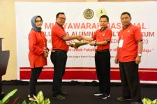 Ma'ruf Cahyono Terpilih sebagai Ketua Umum Alumni Fakultas Hukum Unsoed - JPNN.com