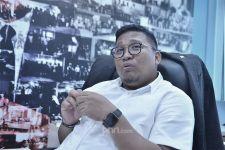 Amendemen UUD, Irwan Fecho Sentil Koalisi Jokowi dan Mural, Jleb! - JPNN.com