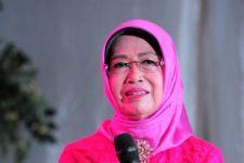 Gus Menteri Ajak Masyarakat Desa Berdoa untuk Ibunda Jokowi - JPNN.com