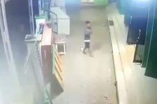 Dua Pemuda Nakal Berbuat Terlarang di Masjid, Terekam CCTV, nih Fotonya - JPNN.com