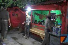 Berkumpul untuk Pesta Miras di Tengah Lapangan, Kocar-Kacir Dikejar Polisi - JPNN.com