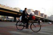 Ini Bukti Social Distancing Sukses Membatasi Penularan Virus Corona di Tiongkok - JPNN.com