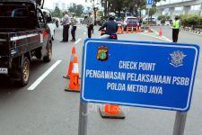 Mengaku Purnawirawan Bawa Airsoft Gun, Todongkan Pisau di Check Point PSBB - JPNN.com