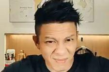Ariel NOAH Potong Rambut Sendiri Pakai Alat Seadanya, Komentar Netizen Nyaris Sama - JPNN.com