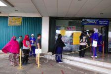 Pengunjung Supermarket Dibatasi Hanya 80 Orang, Ingat Physical Distancing ya - JPNN.com
