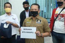 Bamsoet Membantu Kelompok Masyarakat Profesi Terdampak Covid-19 Termasuk Sopir Taksi - JPNN.com