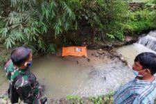 Heboh Penemuan Mayat di Tepi Sungai, Tangannya Terikat, Kepala Ditutup Goni - JPNN.com