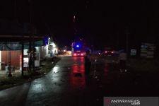 Ratusan Warga Konawe Sweeping Kendaraan yang Mengangkut TKA China - JPNN.com