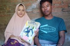 5 Fakta Pernikahan Yudi dan Helmi dengan Mahar Sandal Jepit, Nomor 3 Menggetarkan Jiwa - JPNN.com