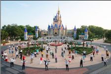 Disney World Menerapkan Peraturan Baru Bagi Pengunjungnya - JPNN.com