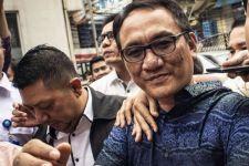 Andi Arief Bermimpi Buruk soal Pak Jokowi dan Mahfud MD, Ah, Abaikan Saja - JPNN.com