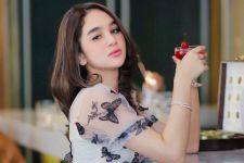 Gegara Kasus Prostitusi, Hana Hanifah Merugi Ratusan Juta? - JPNN.com