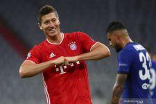 Lewandowski Dapat Penghargaan setelah Kalahkan Ronaldo dan Messi Musim Lalu - JPNN.com