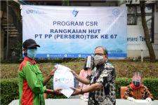 Jelang HUT ke-67, PT PP Bagikan Paket Sembako - JPNN.com
