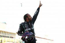 F1 Inggris: Mercedes Putuskan Tim Order, Hamilton Menekan, Juara! - JPNN.com