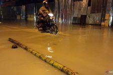 Hujan Deras, Banjir, Ibu dan Anak Tewas Tertimbun Longsor - JPNN.com
