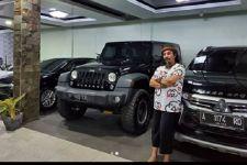 Intip Koleksi Mobil dan Motor Mewah Milik Limbad, Sadis! - JPNN.com