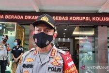 Antisipasi Kerumunan saat Libur Nataru, Polisi Lakukan Penyekatan di Perbatasan Jakarta Selatan - JPNN.com