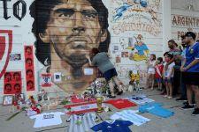 Penghormatan Napoli untuk Maradona - JPNN.com
