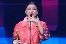 Tiara Andini Menangis di Panggung AMI Awards 2020 - JPNN.com