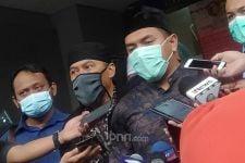 Bagi-Bagi Sembako Jokowi Berujung Kerumunan, Aziz Yanuar Meradang, Sebut Murka Allah - JPNN.com