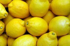 Jangan Terlalu Sering Konsumsi Lemon, Ini 8 Bahayanya - JPNN.com