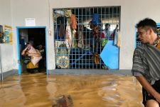 Banjir Setinggi Paha Rendam Rutan Barabai, 56 Narapidana Dievakuasi - JPNN.com