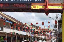Jelang Imlek, Lampion, Bunga Mei Hwa hingga Replika Kerbau Mulai Menghiasi Kota Singkawang - JPNN.com