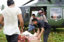 TNI AD Salurkan Bantuan Korban Gempa di Wilayah Terisolasi dengan Helikopter - JPNN.com