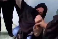 Sempat Merengek, Wanita Berjilbab tak Berkutik Saat Digelandang Polisi - JPNN.com