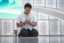 Bang Sapri & Ustaz Tengku Zulkarnain Meninggal di Hari yang Sama, Arie Untung Bilang Begini - JPNN.com