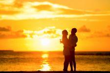 3 Podcast yang Wajib Disimak Pasangan Suami Istri - JPNN.com