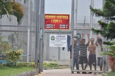 Cegah Penyebaran COVID-19 di Rutan, Tahanan Polresta Sidoarjo Jalani Vaksinasi - JPNN.com Jatim