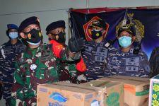 Lantamal V Salurkan Bantuan untuk Warga Terdampak Bencana Alam - JPNN.com