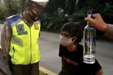 Tanpa Alasan Jelas, 2 Pemuda Memaki-maki Polisi Lalu Lintas, Oh Ternyata - JPNN.com