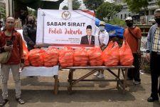 Sabam Sirait Bagikan Ribuan Paket Sembako untuk Korban Banjir, Ini Pesannya - JPNN.com