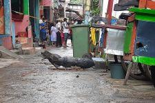 Penemuan Benda Diduga Mortir di Kali Cipinang Bikin Geger - JPNN.com