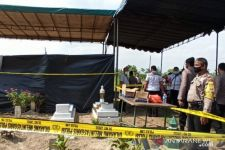 Tim Forensik Poldasu Bongkar Kuburan Tahanan Polsek Sunggal Joko Dedi Kurniawan - JPNN.com
