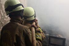 Warga Pasar Rebo Melihat Asap di Rumah Pak Haji Margo, Seketika Api Membesar - JPNN.com