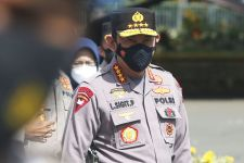 Kunker Jokowi Dibanjiri Poster dan Spanduk, Kapolri Langsung Lakukan Ini - JPNN.com