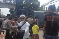 Massa Pendukung Ricuh, Sebaiknya Sidang Rizieq kembali Digelar Secara Virtual - JPNN.com