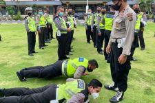 Rambut Kurang Rapi, SIM Kedaluwarsa, 3 Polisi Dapat Siksa - JPNN.com