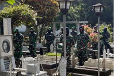 Wanita TNI Laksanakan Ziarah ke Makam Pahlawan Nasional - JPNN.com
