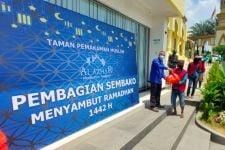 Al Azhar Memorial Garden Bagikan Ratusan Paket Sembako Jelang Bulan Ramadan - JPNN.com
