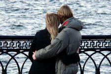 3 Tanda Pasangan Menyesal Melakukan Perselingkuhan - JPNN.com