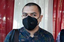 Polisi Sebut Cairan di Bekas Markas FPI Bahan Pembuat Bom, Begini Reaksi Aziz Yanuar - JPNN.com