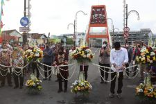 Diresmikan, Jembatan Sawunggaling Genapi Peninggalan Bu Risma untuk Surabaya - JPNN.com Jatim