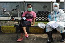 Berbahasa Madura, UMS Edukasi Prokes ke Warga Perkampungan Pesisir Sukolilo - JPNN.com Jatim