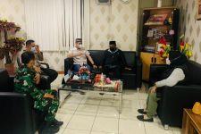 Heboh Pria Hendak Salat Diusir karena Pakai Masker, Ini Rencana Camat terhadap Pengurus Masjid - JPNN.com